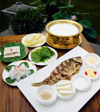经典老陕菜:奶汤锅子鱼